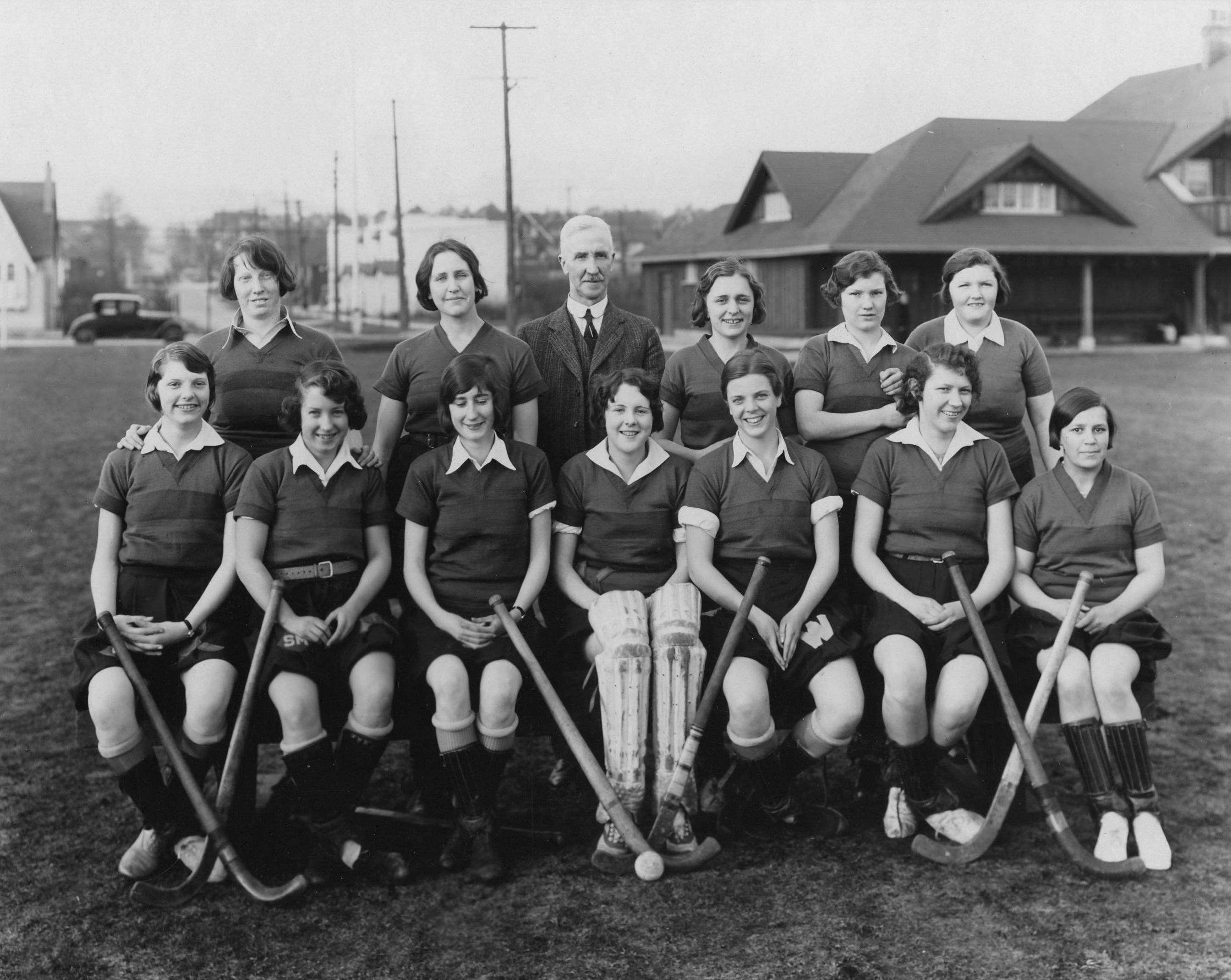 1929-30seniorgirlsgrasshockeyscan20808